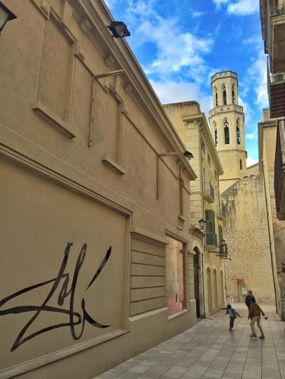 Dali's signature serves as high-end street art outside his museum!